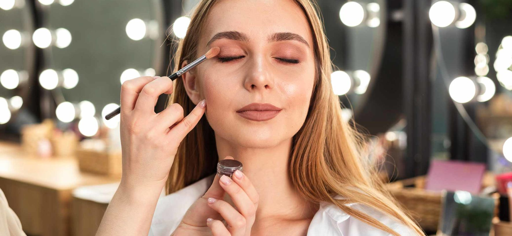 7 Common Mistakes Done While Applying Makeup