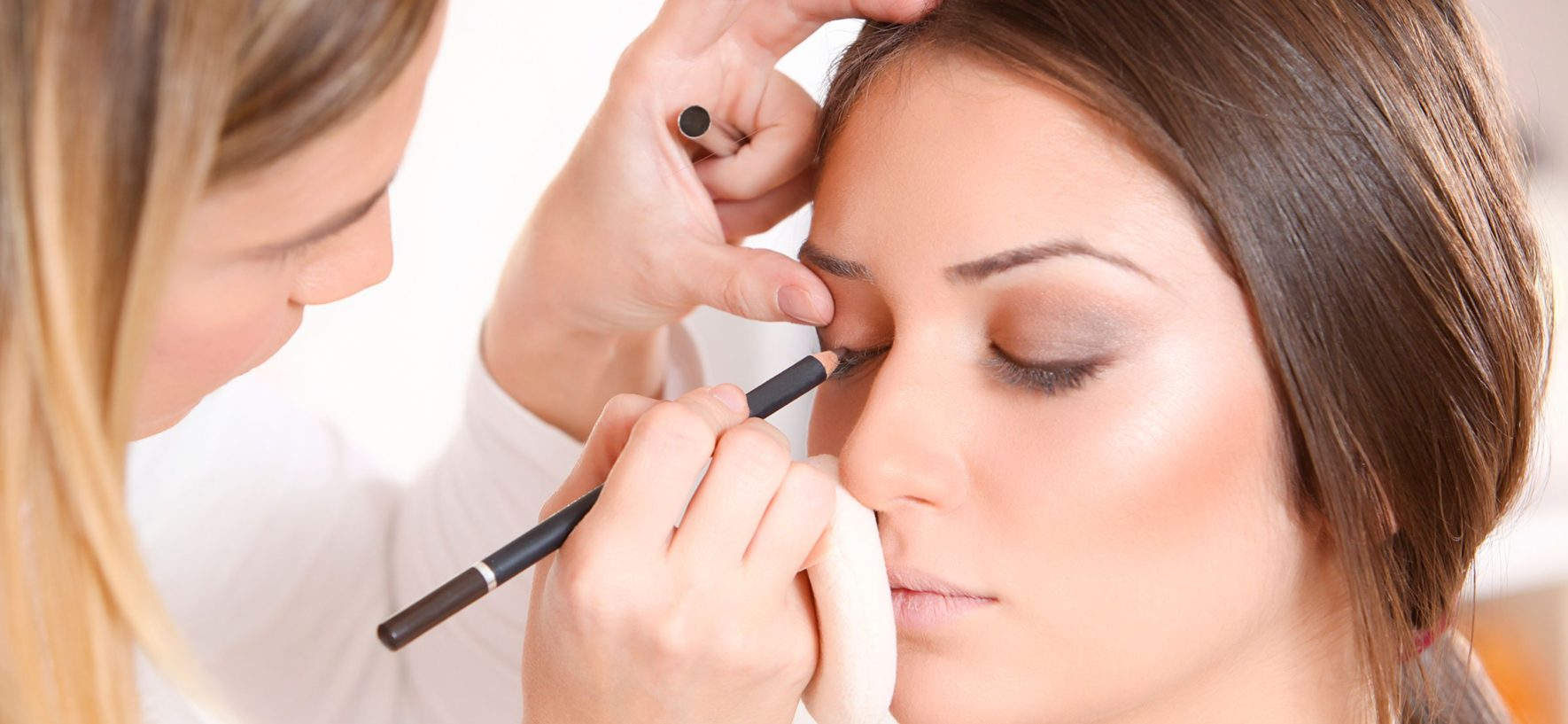Tips For Selecting The Correct Freelance Bridal Makeup Artist