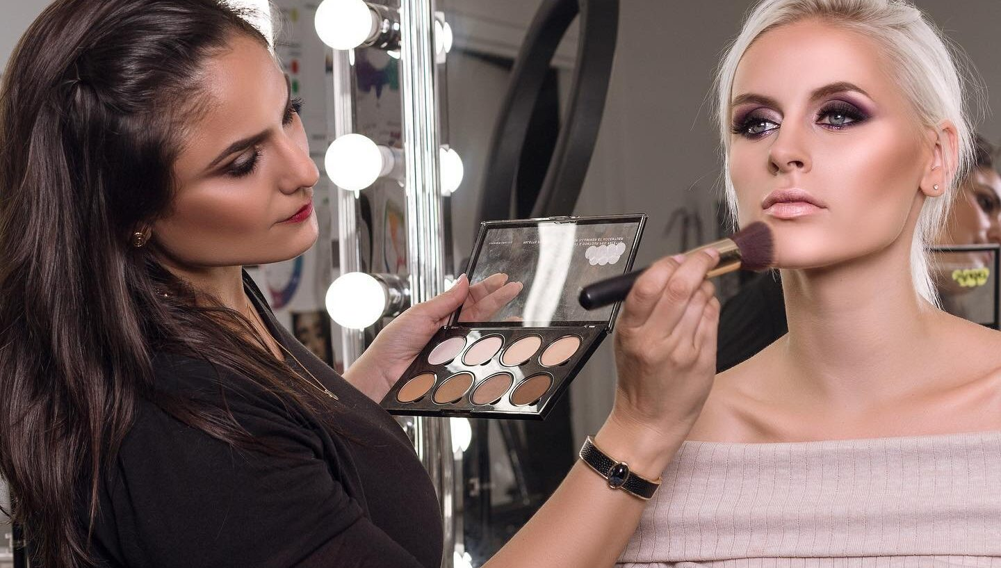 6 Things That Must Be Taken Care of When Applying For A Professional Makeup Course